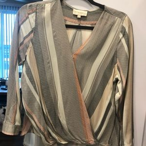 Cynthia Rowley Tops - Super cute lightweight long sleeve v-neck
